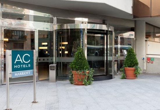 AC Hotel Genova by Marriott: Entrance