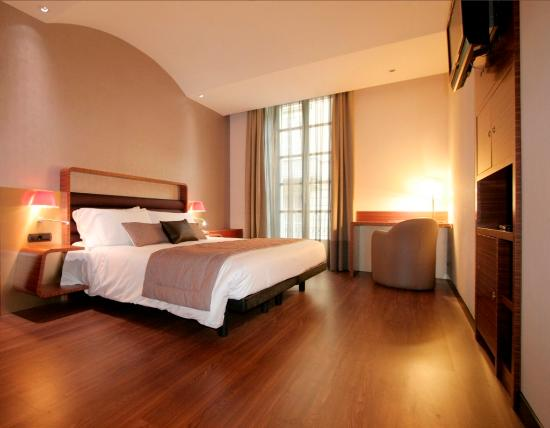 Holiday Inn Turin City Center: King Bed Guest Room