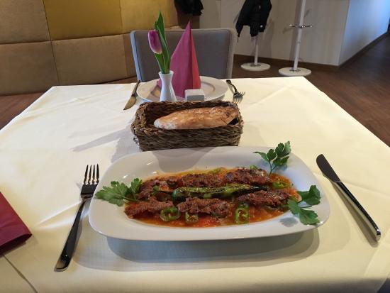 Mixed cold starter plate - Bild von Sumach Restaurant ...