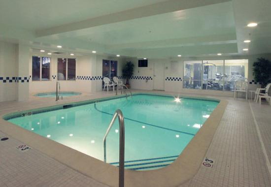 Jeffersonville, IN: Indoor Pool & Spa