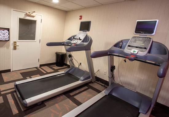 Raynham, MA: Fitness Center