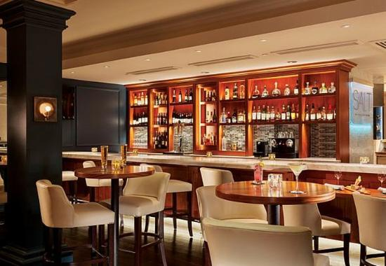 New Castle, Nueva Hampshire: SALT Kitchen & Bar – Lounge & Bar Areas