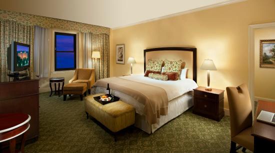 Omni Shoreham Hotel: Deluxe Room