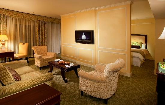Omni Shoreham Hotel: Classic Suite Compressed