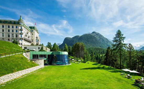 Grand Hotel Kronenhof: Kronenhof Exterior Summer