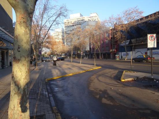 Ibis Santiago Providencia: vor dem Hotel