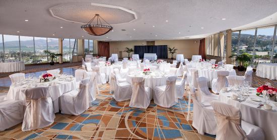 Crowne Plaza Ventura Beach Hotel Ballroom