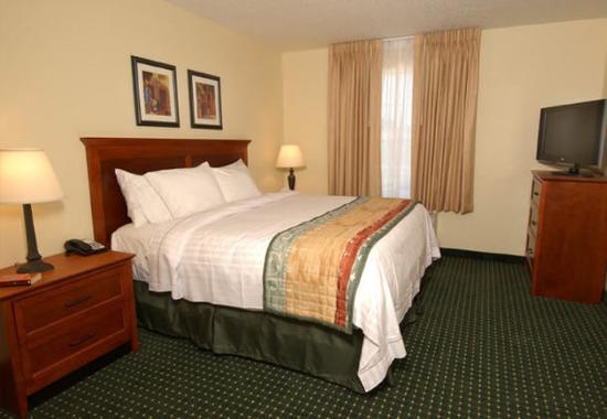 Lady Lake, FL: Guest Bedroom
