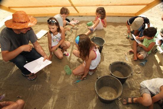 Museum of Prehistory Tautavel: Atelier fouilles musée préhistoire tautavel
