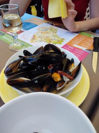 Najac, Γαλλία: mejillones con nata