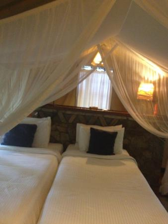 Sarova Mara Game Camp: sarova beds