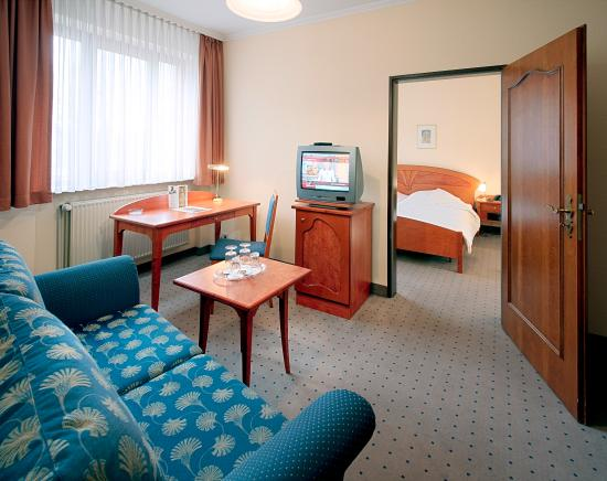 TRYP by Wyndham Kassel City Centre: Suite