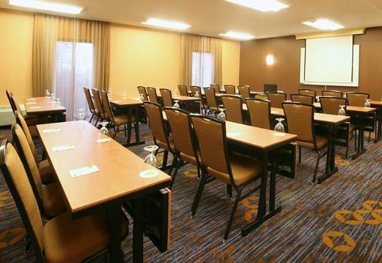 Wood Dale, IL: Meeting Room- Classroom Setup