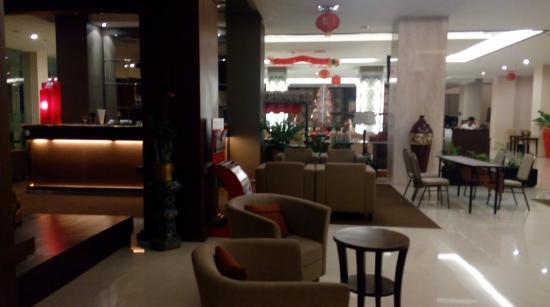 the lobby area picture of horison ultima riss yogyakarta rh tripadvisor com