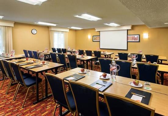Cupertino, CA: Meeting Room