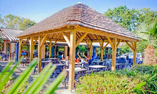 Urrugne, France : Terrasse-restaurant-bar-pizzeria