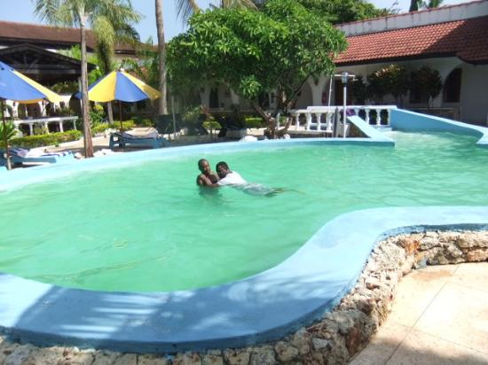 My first swimming lesson at jangwani swimming pool picture of jangwani seabreeze resort dar for Swimming pools in dar es salaam