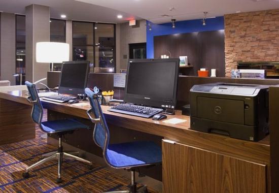 แคสเปอร์, ไวโอมิง: Business Center