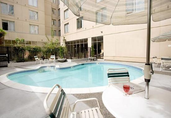 Courtyard by Marriott Oakland Downtown: Outdoor Pool