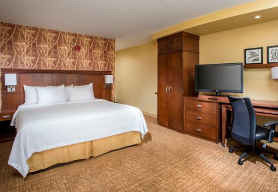 Peoria, IL: King Guest Room