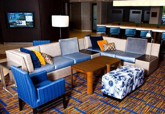 Courtyard by Marriott La Crosse Downtown / Mississippi Riverfront: Lobby
