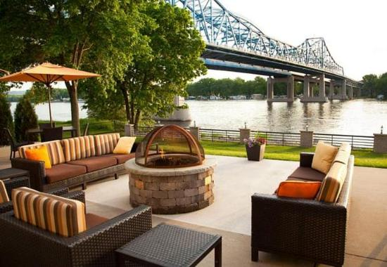 Courtyard by Marriott La Crosse Downtown / Mississippi Riverfront: Outdoor Terrace
