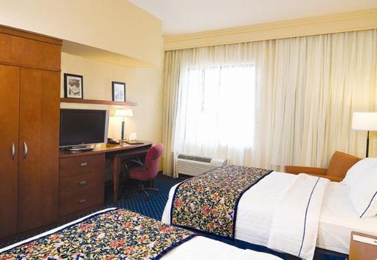 Suffolk, VA: Queen/Queen Guest Room