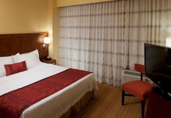 Bristol, VA: One-Bedroom Suite