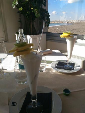 Marina di Cecina, Italien: sorbetto con frutta fresca