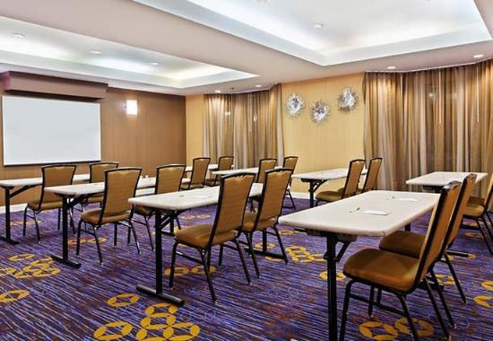 Courtyard by Marriott Gainesville: Meeting Room