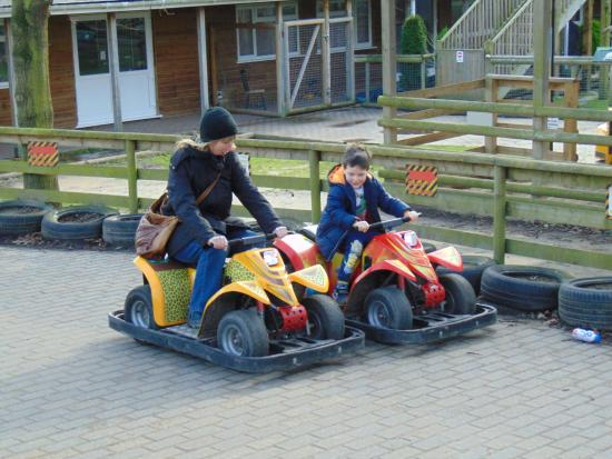 Wingham, UK: time to get the kids back :)