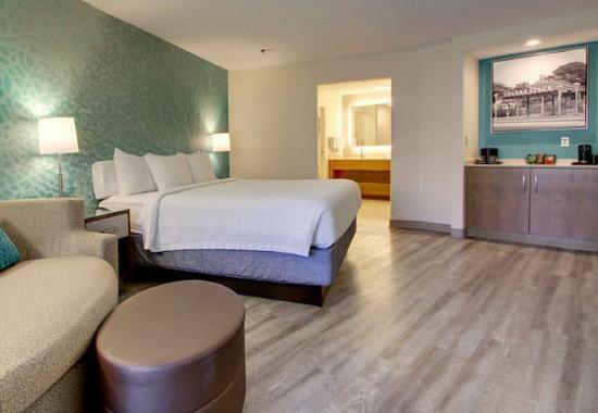 Solana Beach, CA: King Executive Suite