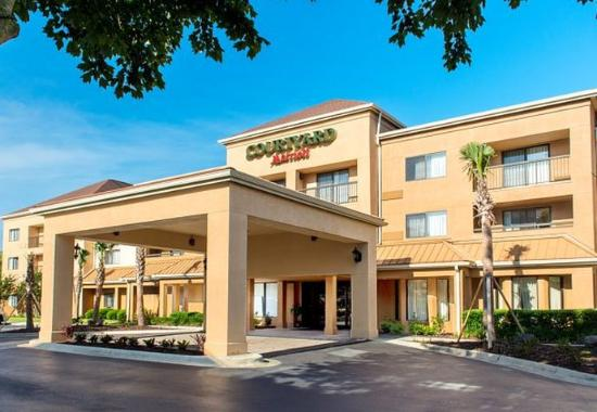 Photo of Courtyard By Marriott Pensacola