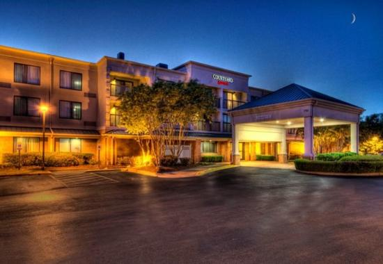 Photo of Courtyard Memphis Germantown