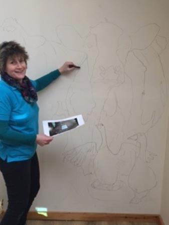 Pucklechurch, UK: Local Artist, Rachel getting creative in our Sprice Room