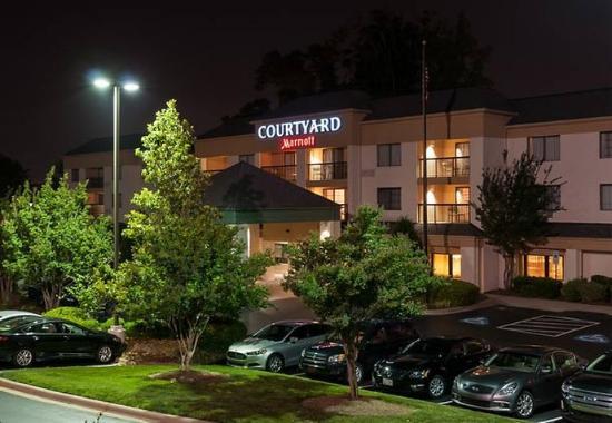Photo of Courtyard Charlotte Lake Norman Huntersville