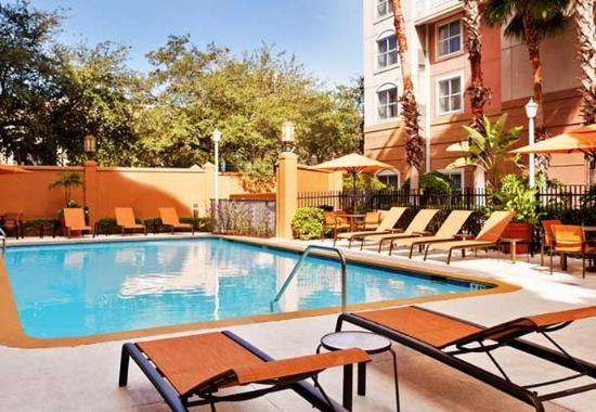 Courtyard by Marriott Tampa Downtown: Outdoor Pool