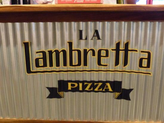 La Lambretta Pizza: Go ahead! Climb the stairs to eat here...