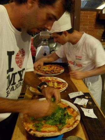 La Lambretta Pizza: Pizza crusts and toppings were very very good