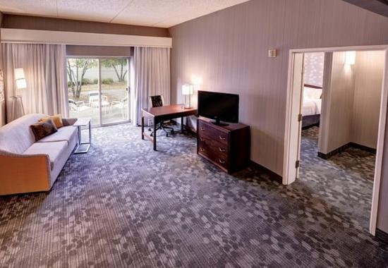 Wausau, WI: One-Bedroom Suite