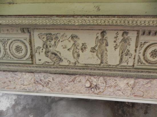 Drayton Hall: Grecian figures?