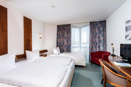 Days Inn Leipzig Messe : Three bed