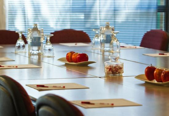 Towson, MD: Meeting Space – Boardroom Setup