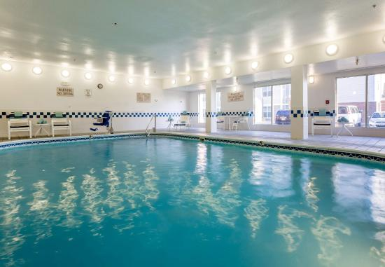 Independence, MO: Indoor Pool