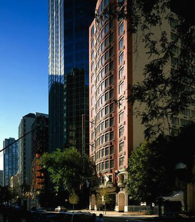 Fairfield Inn & Suites Chicago Downtown/Magnificent Mile: Exterior