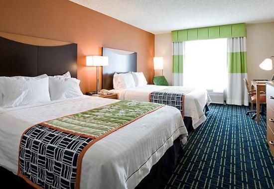 Hayward, CA: Queen/Queen Guest Room