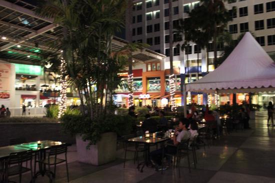 Pusat Perbelanjaan Surabaya Town Square