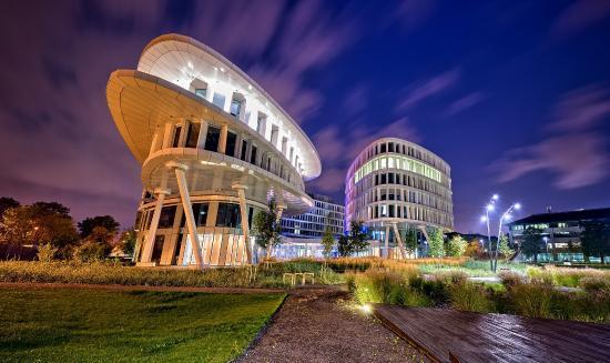 Sound Garden Hotel Warsaw Airport