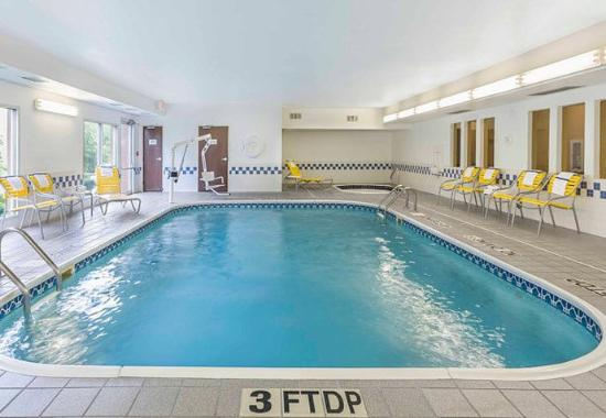 Mansfield, OH: Indoor Pool & Whirlpool
