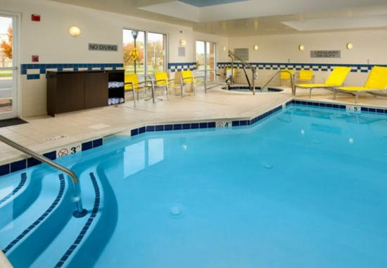 Germantown, Μέριλαντ: Indoor Pool & Whirlpool